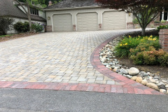 2018-Redmond-Paver-Driveway-with-Red-Border-by-Aguiar-Pavers