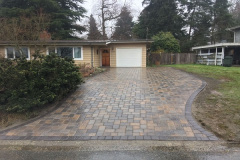 Driveway-With-Paving-Stones