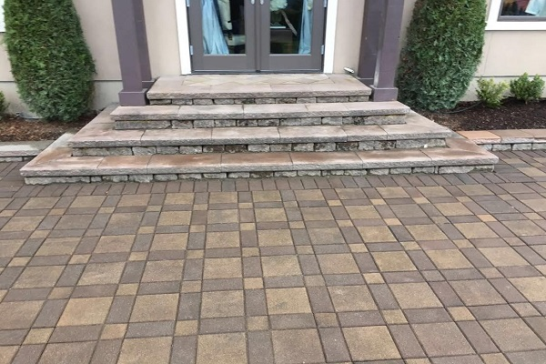 Etonnant Advantages Of Paver Steps Include A Wide Variety Of Shapes, Sizes And  Surface Patterns As Well As Many Colors And Texture Contrasts To Choose  From.